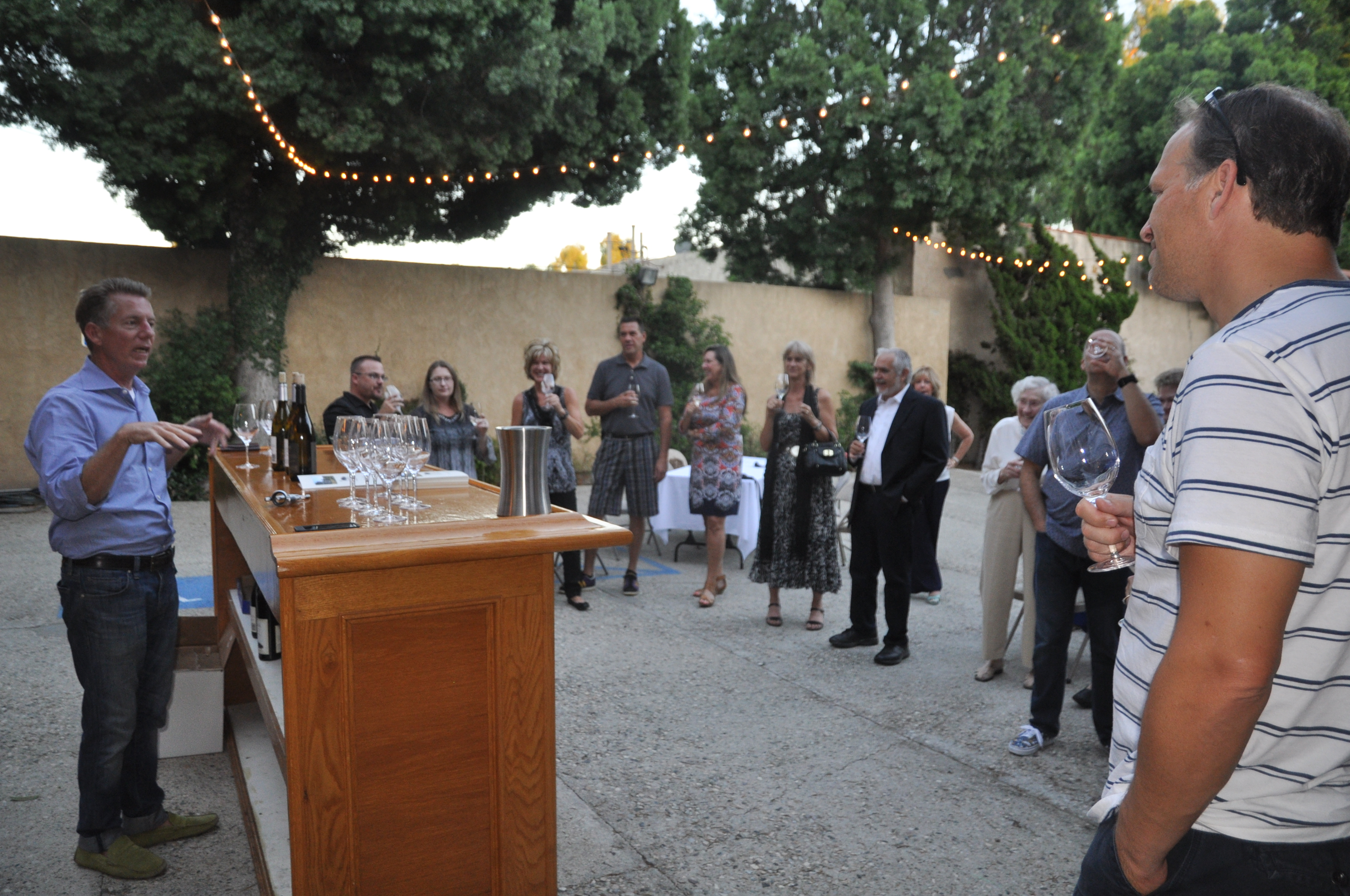 Moorpark Foundation Hosts Wine Tasting